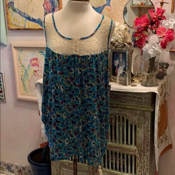 Pure Energy Tops - Racer back Blouse w lace size 4X  $10 Sleeveless